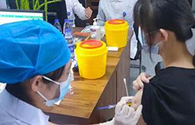 疫苗接种进校园 全面构筑防疫屏障